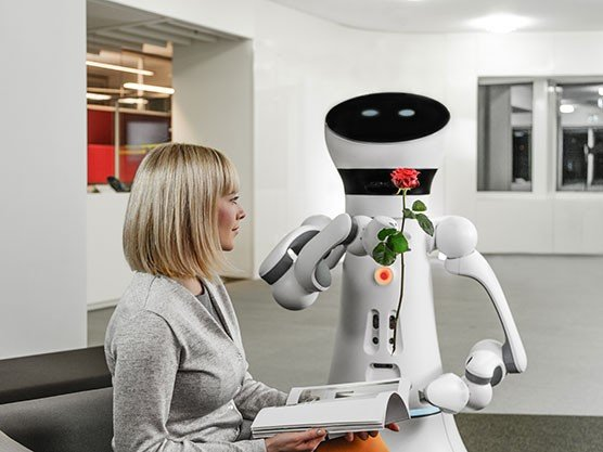 Care-O-bot® 4 wins RedDot Design Award